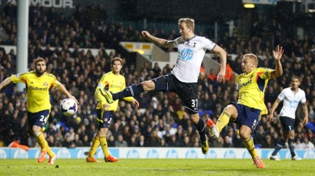Kane Scores in Spurs win over Sunderland